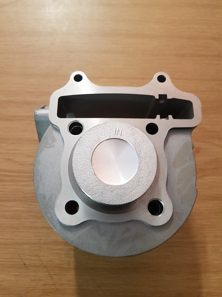 Barrel and pistons